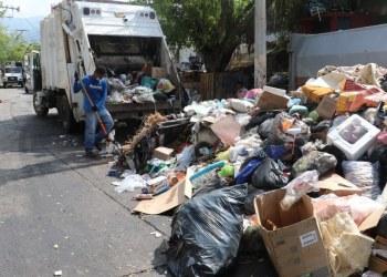 Montañas de basura cubren las avenidas de Acapulco; alcaldesa dejó de pagar el servicio 3