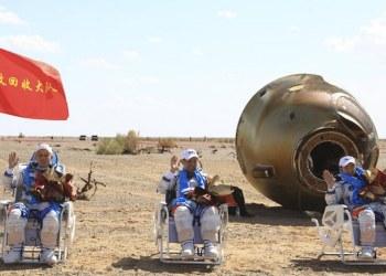 Astronautas chinos regresan a la tierra tras 90 días en una estación espacial 79