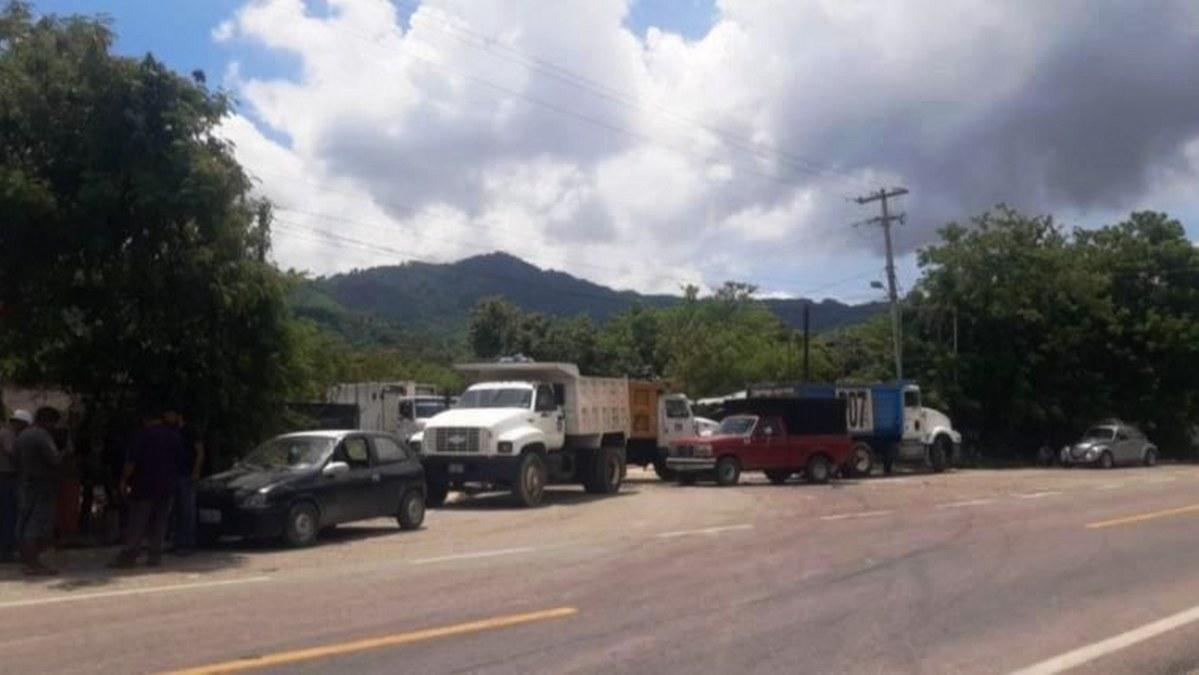 Montañas de basura cubren las avenidas de Acapulco; alcaldesa dejó de pagar el servicio 1