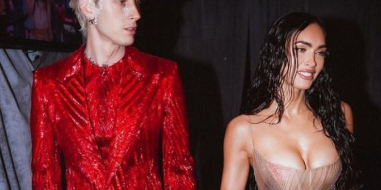 Megan Fox impacta con vestido transparente; su novio pelea con Conor McGregor 1