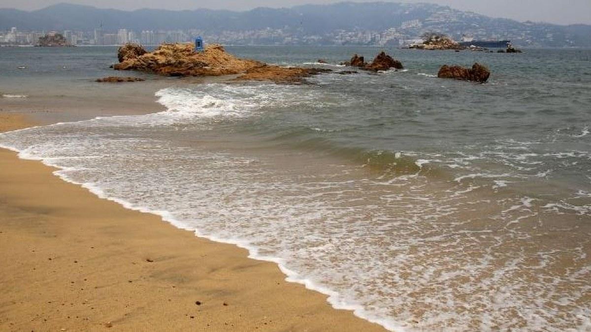 Mar de fondo genera olas de 3 metros en costas de Guerrero 2