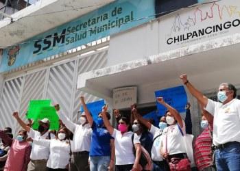 Chilpancingo: protestan trabajadores de Salud; exigen pagos 11