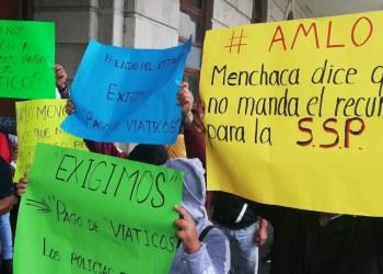 """Chilpancingo: policías estatales exigen pago de viáticos; """"comemos tacos con sal"""", dicen 10"""
