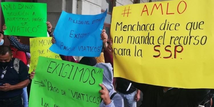 """Chilpancingo: policías estatales exigen pago de viáticos; """"comemos tacos con sal"""", dicen 1"""