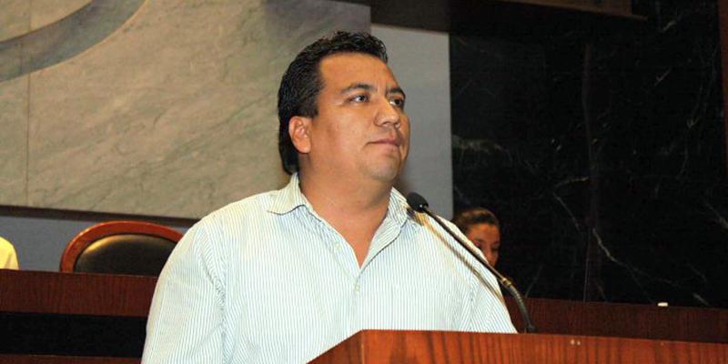 Comando ejecuta a exdiputado y excalde del PRD en Guerrero