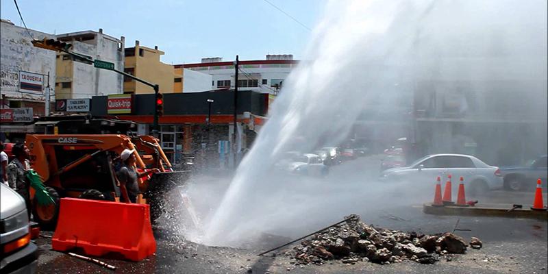Se fuga más agua de la que se abastece a la ciudad, reconoce Meza Loeza