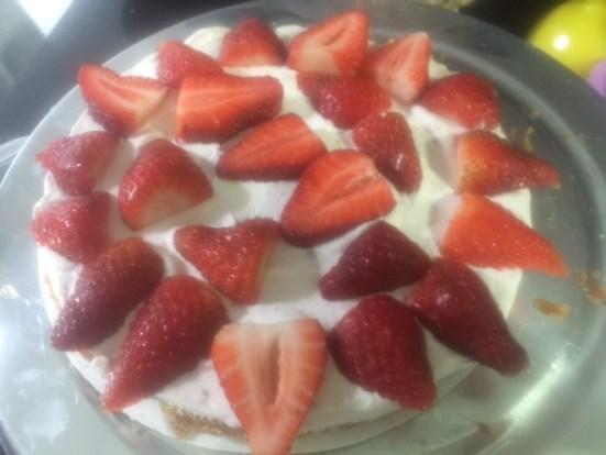 Bolo Pelado de Morango (Naked Cake)
