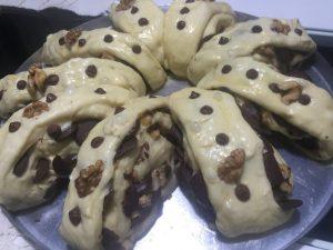 Rosca de Páscoa em Pedaços, Nozes e Chocolate - Receita