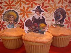 "Vegan Apple Ginger Cupcakes with Orange Clove ""Butter""cream"