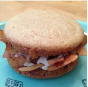 vegan peanut butter banana whoopie pie