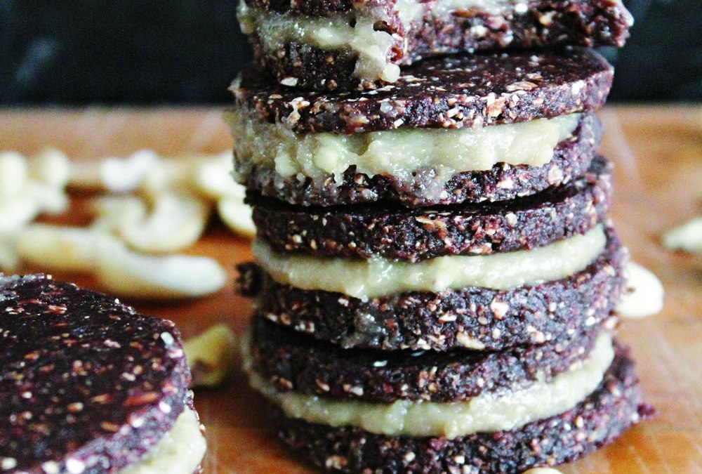Blog Tour: Rawsome Vegan Baking – Raw Chocolate Cookies Sandwiching Vanilla Cashew Cream