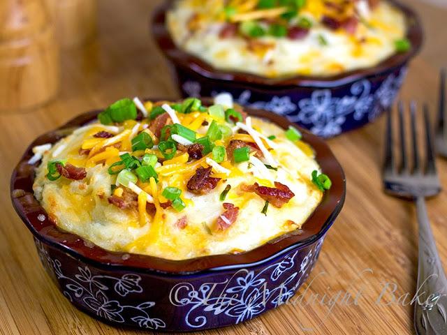 Shepherd's Pie #ShepherdsPie #casseroles #GroundBeefCasseroles #LoadedPotatoes