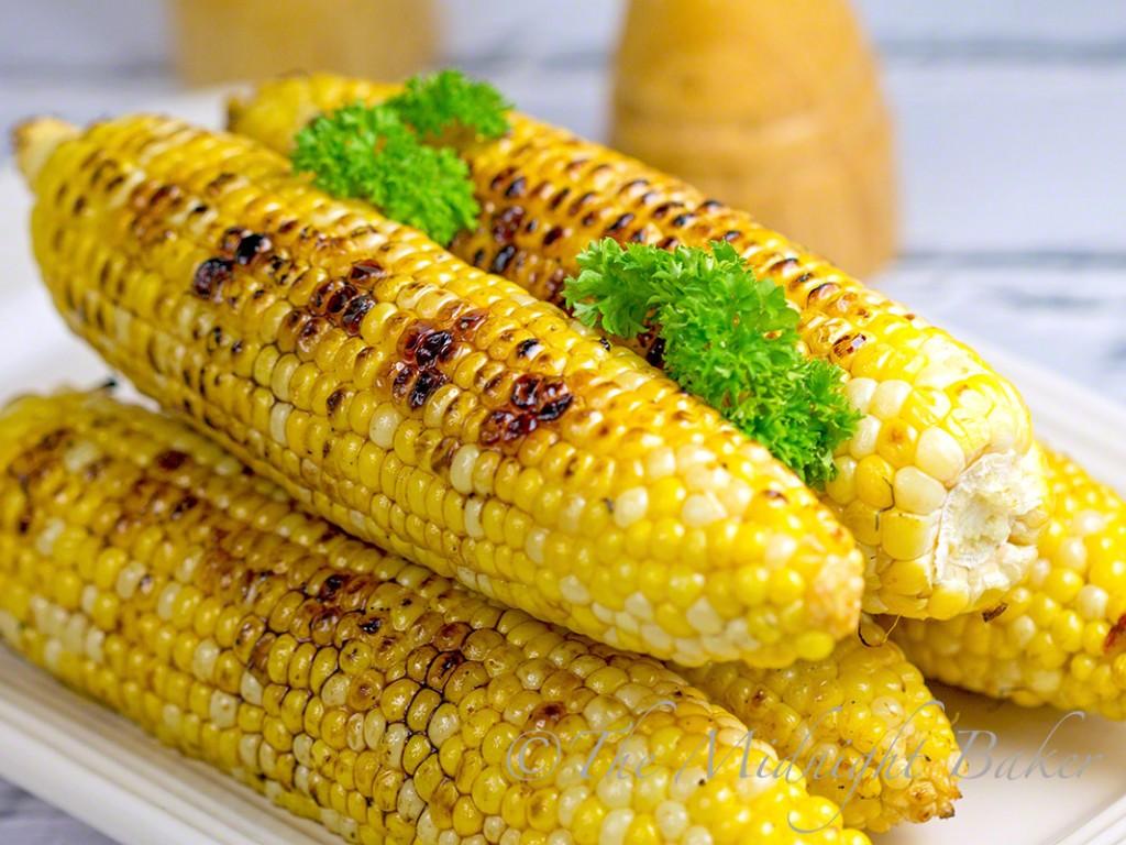 Maple Chipotle Grilled Corn #MapleSyrup #Chipoltes #FreshCorn #GrilledVegetables