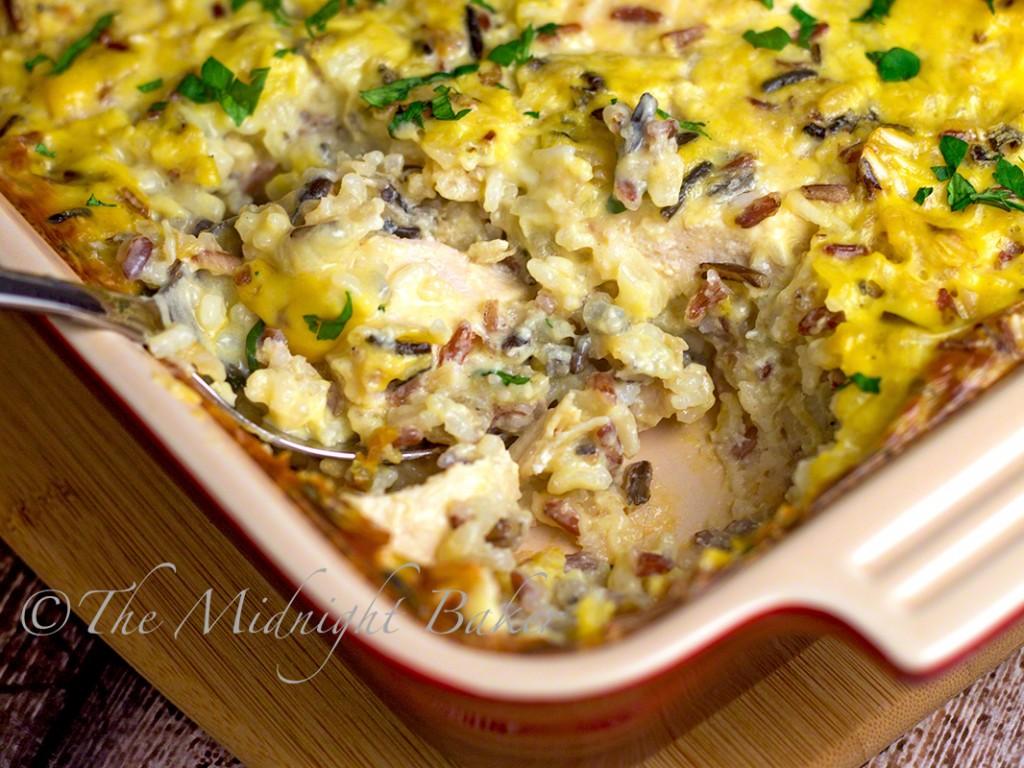 Easy Creamy Chicken & Wild Rice Casserole | bakeatmidnite.com | #chicken #casseroles #wildrice
