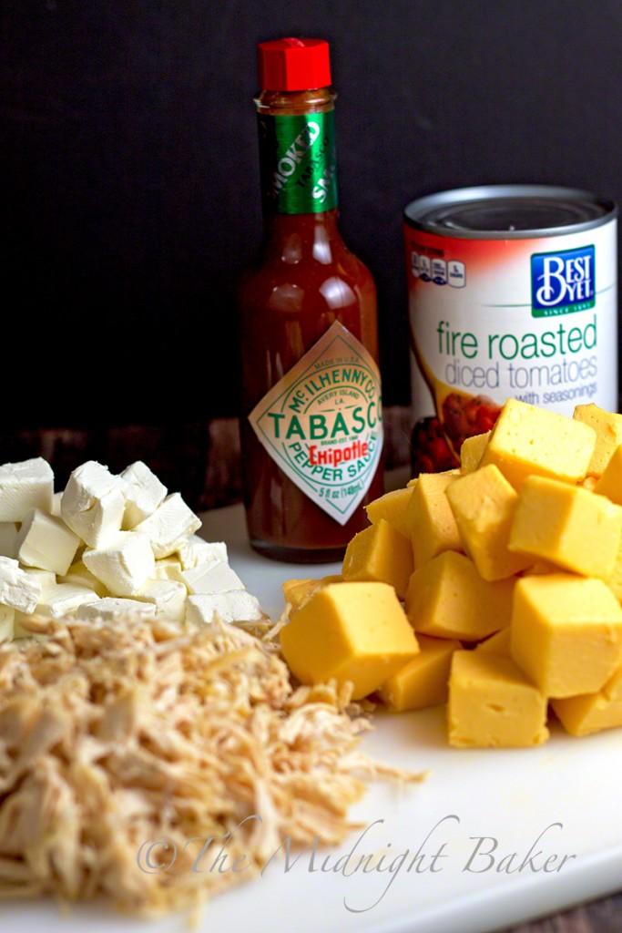 Tabasco Chipotle Chicken Queso Dip   bakeatmidnite.com   #SeasonedGreetings #quesodip #ad