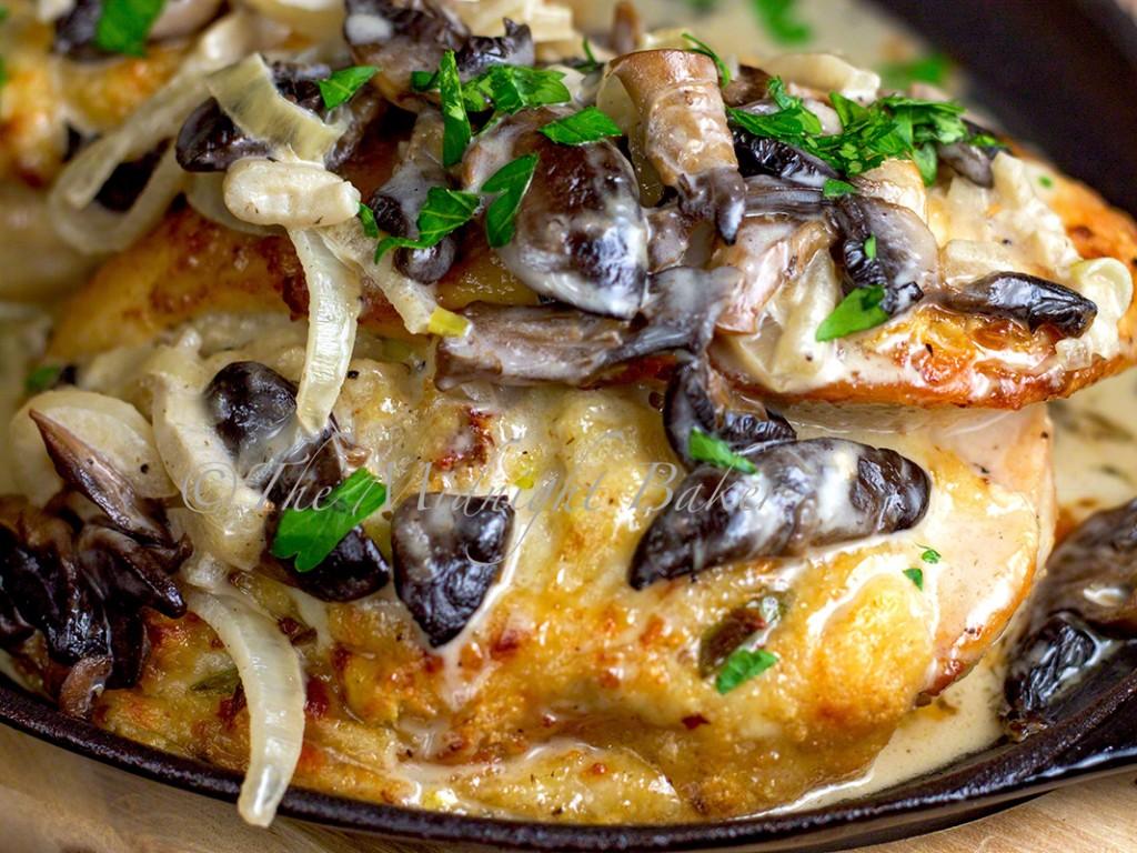 Cheese Stuffed Chicken in White Wine Sauce | bakeatmidnite.com | #chicken #winesauce #cheese #olivegardencopycat