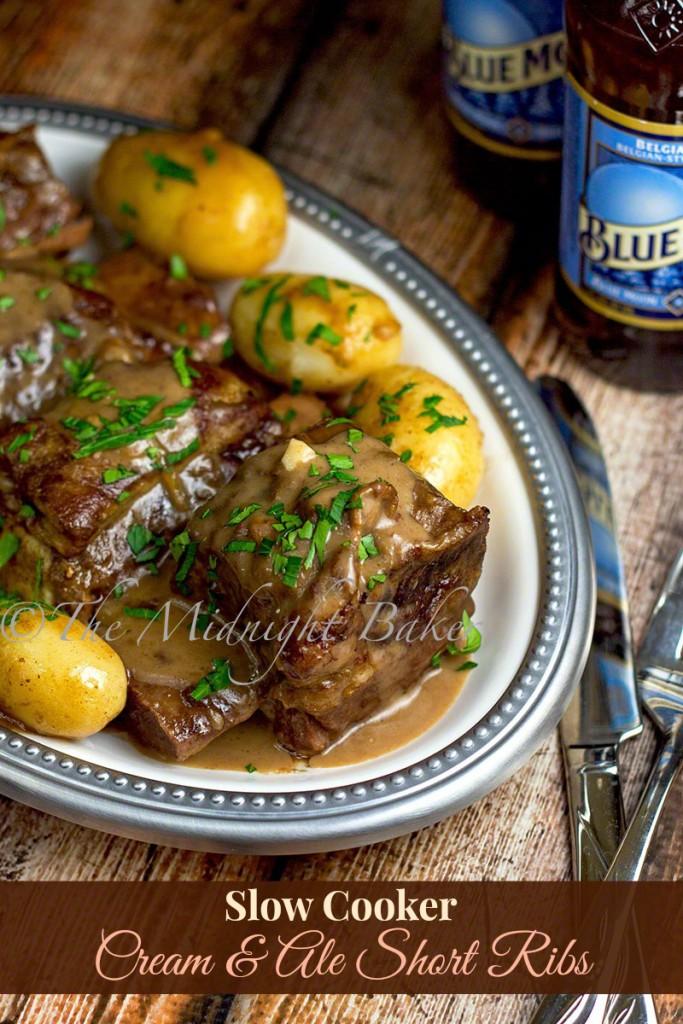 Slow Cooker Cream & Ale Short Ribs   bakeatmidnite.com   #shortribs #beef #crockpot #slowcooker