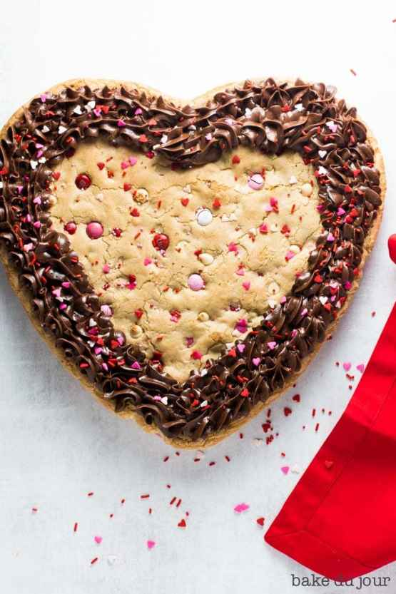 Main shot of the Valentine's Day Cookie Cake