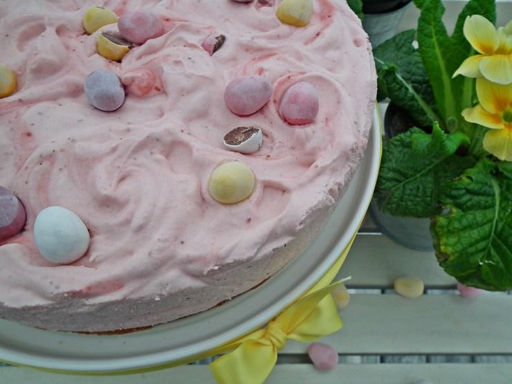 jordbærmoussekake_jordbærmousse_jordbær_mousse_kake_glutenfri_dessert_nøttebunn_bakemagi6