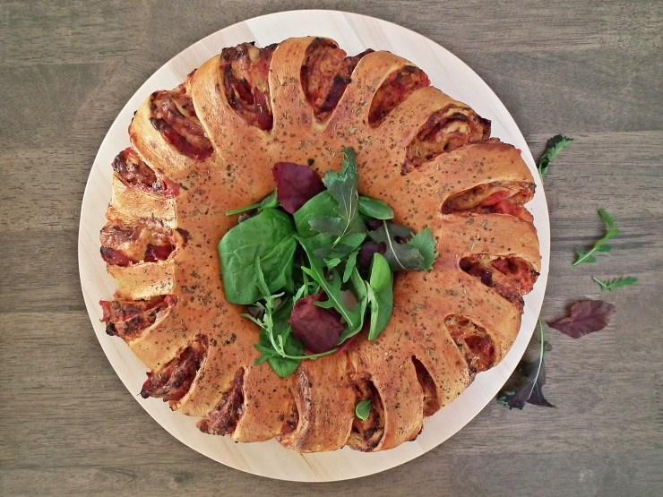 pizza_pizzablomst_pizzakrans_pizzawreath_pizzasnurrer_oppskrift_bakemagi_4