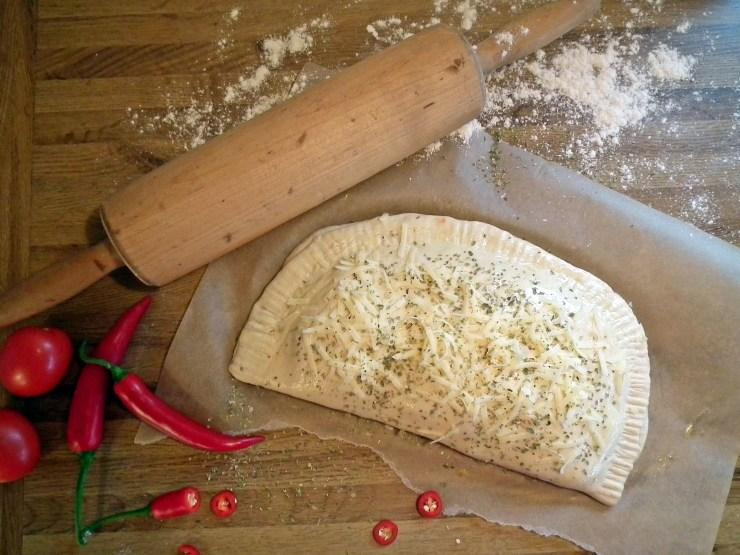 calzone_innbaktpizza_pizza_pirog_oppskrift_bakemagi