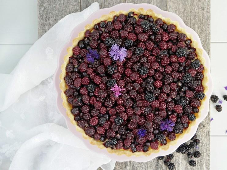 bjørnebærpai_pai_bjørnebær_vaniljekrem_solbær_terte_kake_dessert_bær_oppskrift_bakemagi_bakemagino_3