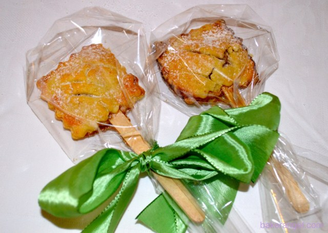 Apple Pie Pops by bakerangel.com