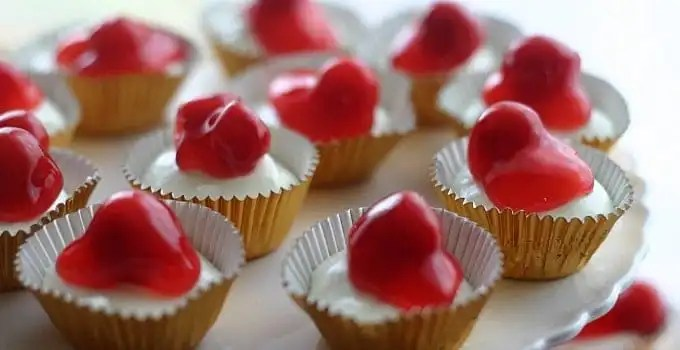 mini-cherry-cheesecakes-feature