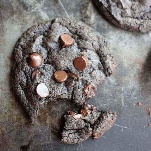 spicy-chocolate-cookies-square