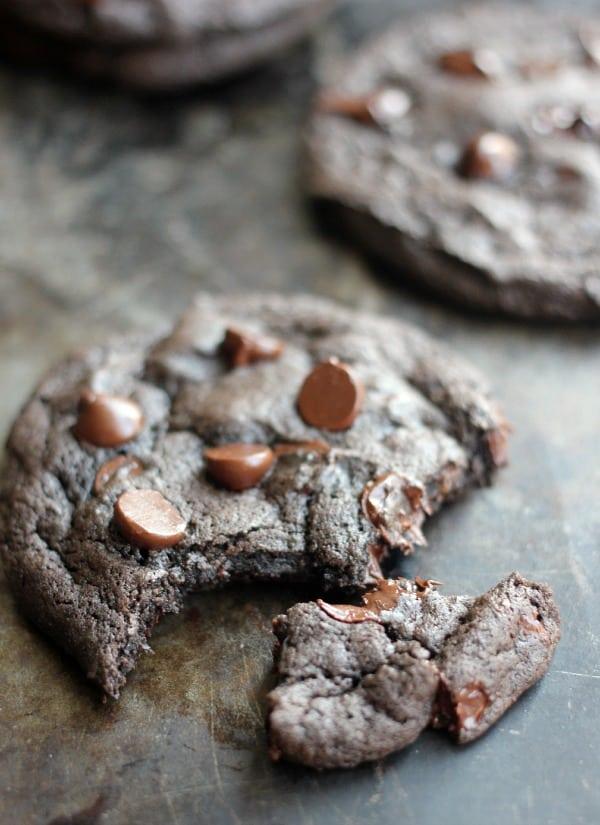 dark-chocolate-chunk-cookies