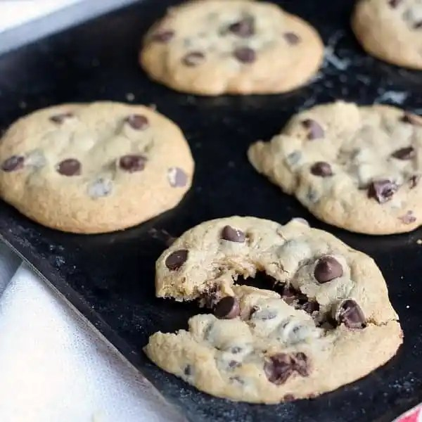 soft-chewy-chocolate-chip-cookie.jpg