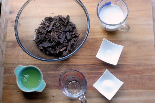 How to Make Chocolate Mousse - Baker Bettie