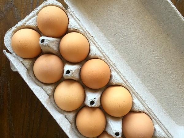 How to Easily Poach an Egg | Baker Bettie