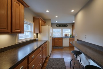 Kitchen with Bar Area