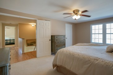 Master Bedroom w Walk-in Closet & double doors