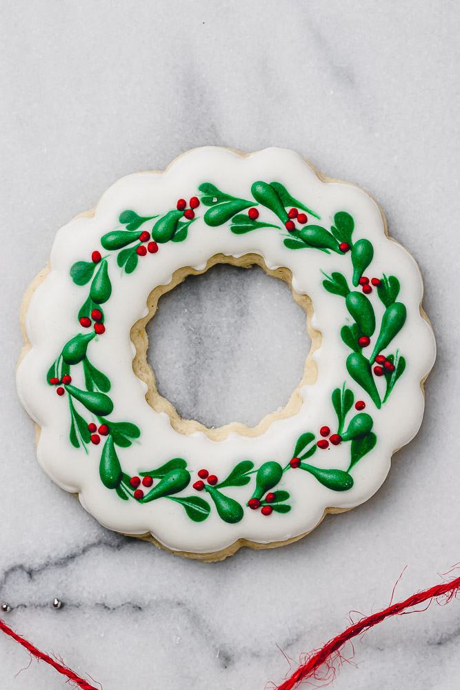 wreath royal icing Christmas cookie