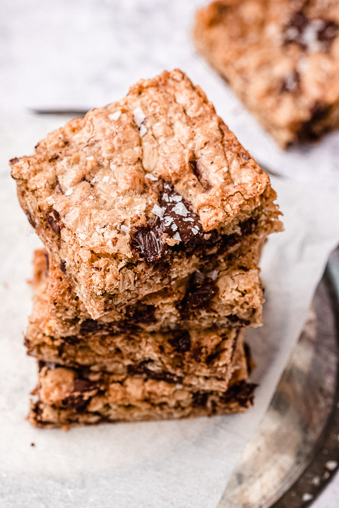 stack of dark chocolate chunk oatmeal cookie bars