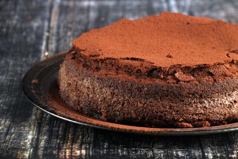 עוגת שוקולד ומרנג משגעת ללא קמח