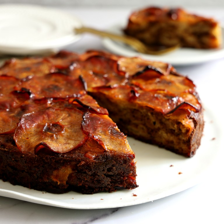 Read more about the article עוגת תפוחים צלויים בסגנון צרפתי