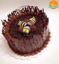 Bolo de Chocolate com Grade de Chocolate