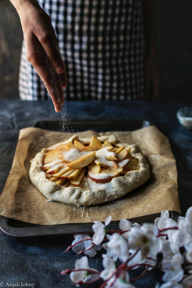 apple cinnamon almond galette-1-10-01474276832..jpg