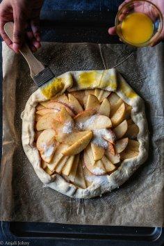 apple cinnamon almond galette-1-13-01128268007..jpg