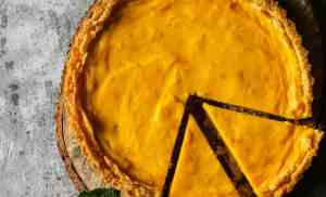 Eggless Mango Cheesecake Tart (Mother's Day Special)