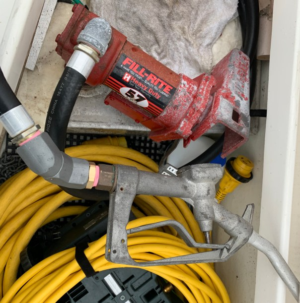 New hose and swivel for gasoline supply