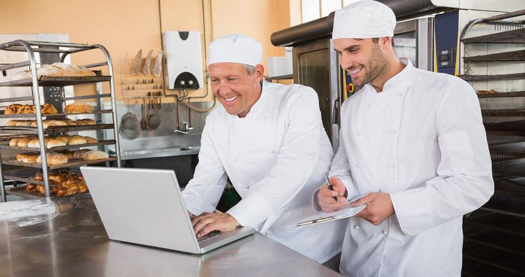 Bakers on Computer   BakeSmart Production Module