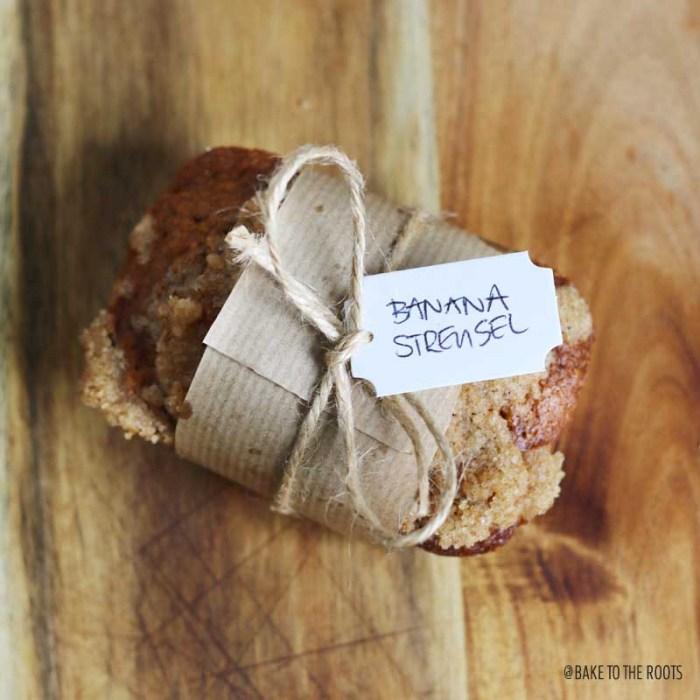 Mini Banana Streusel Loaves | Bake to the roots