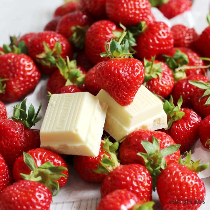 White Chocolate Cream Cheese Strawberry Cookies | Bake to the roots