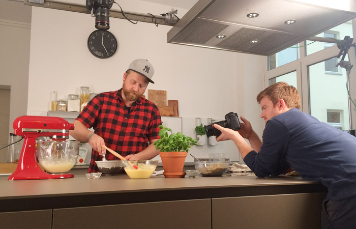 Bake to the roots meets Kitchen Stories