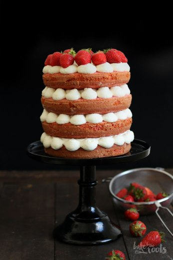 Naked Strawberry Cake | Bake to the roots