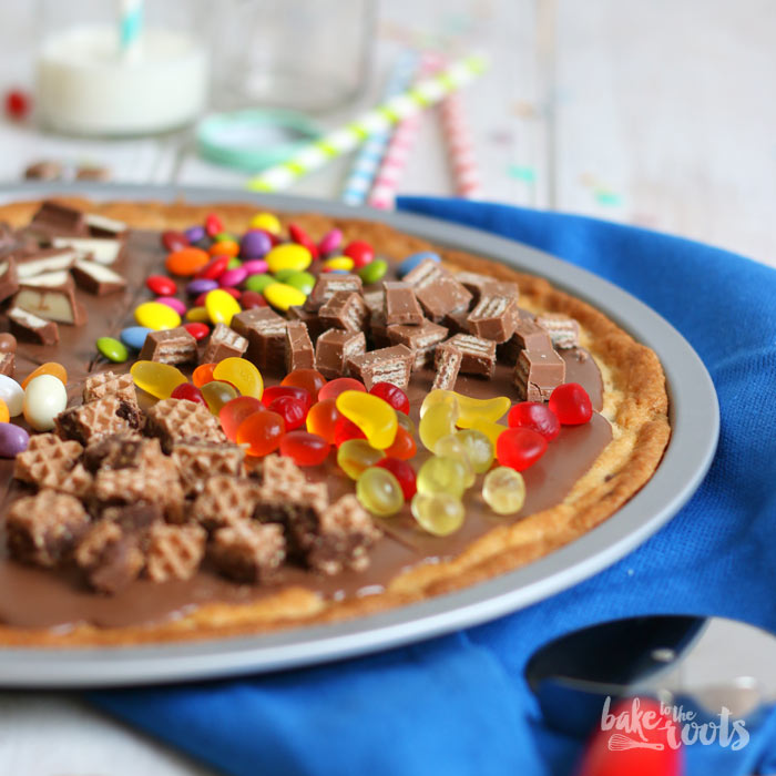 Cookie Pizza | Bake to the roots